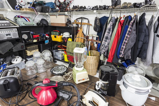 photodune-3888202-garage-sale-thrift-store-clutter-xs