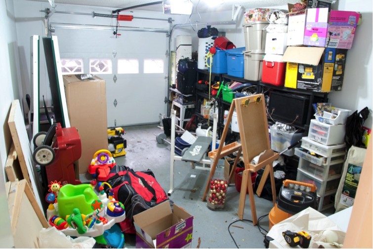 cluttered_garage
