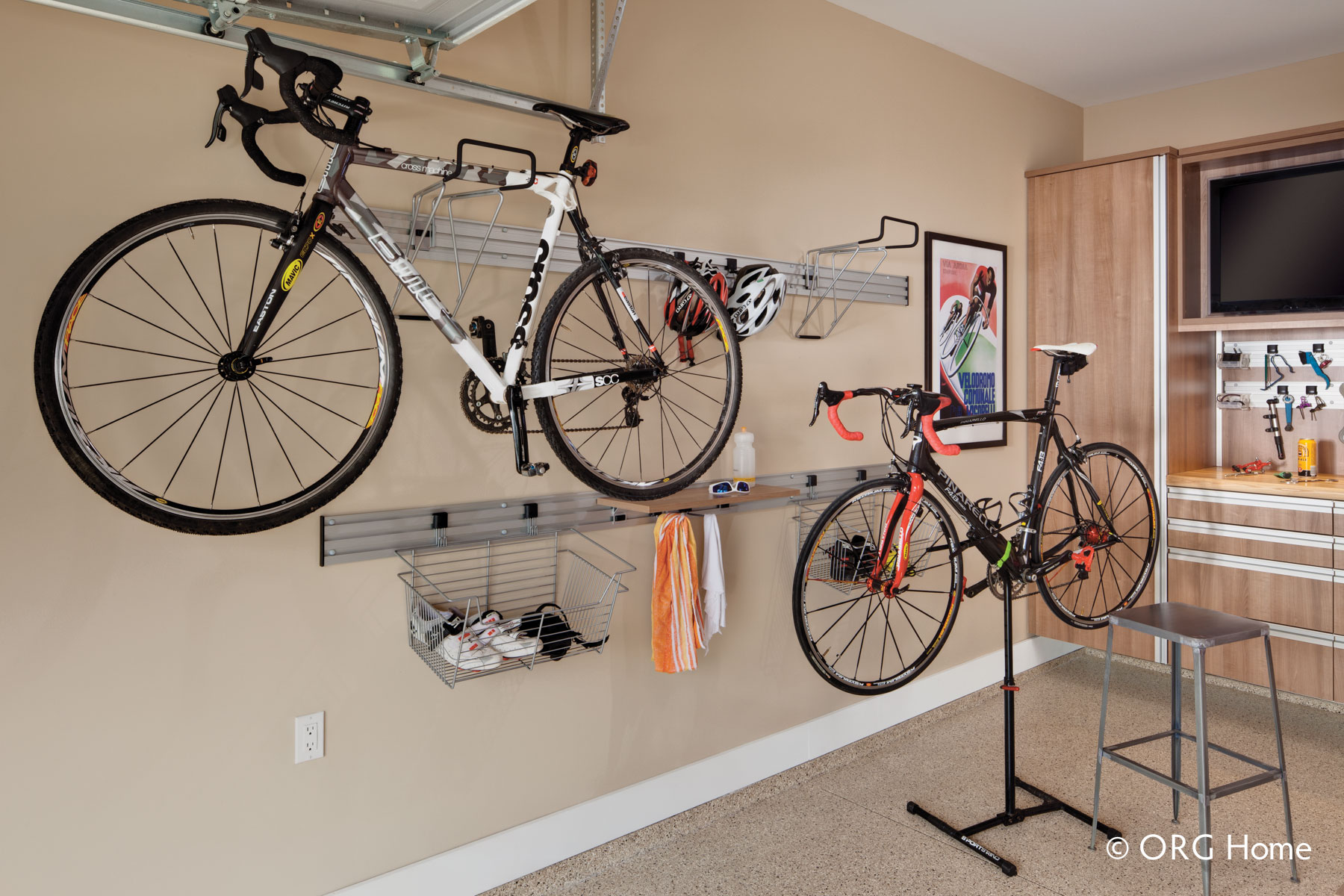 Modular wall-mounted bike hooks